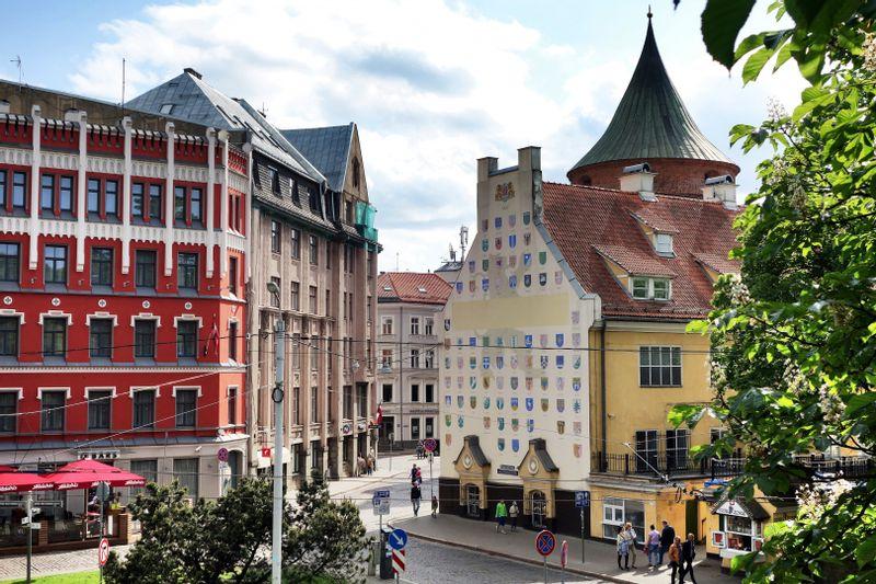 Pažintinė kelionė kolektyvams autobusu į Latviją   Ryga – medicinos muziejus – Jugendas