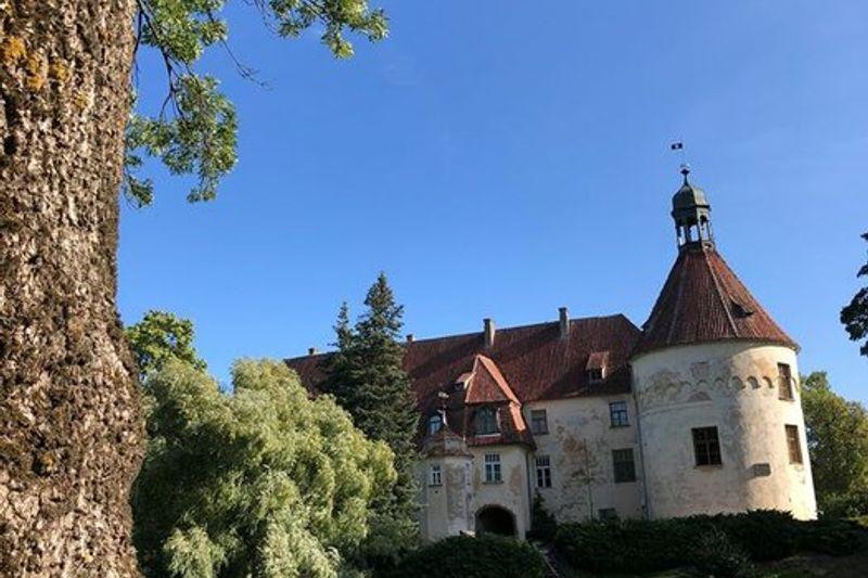 Nuotaikinga pažintinė verslo kelionė kolektyvams: Jaunpils pilis - Viduramžių laikų pietūs - Rygos senamiestis