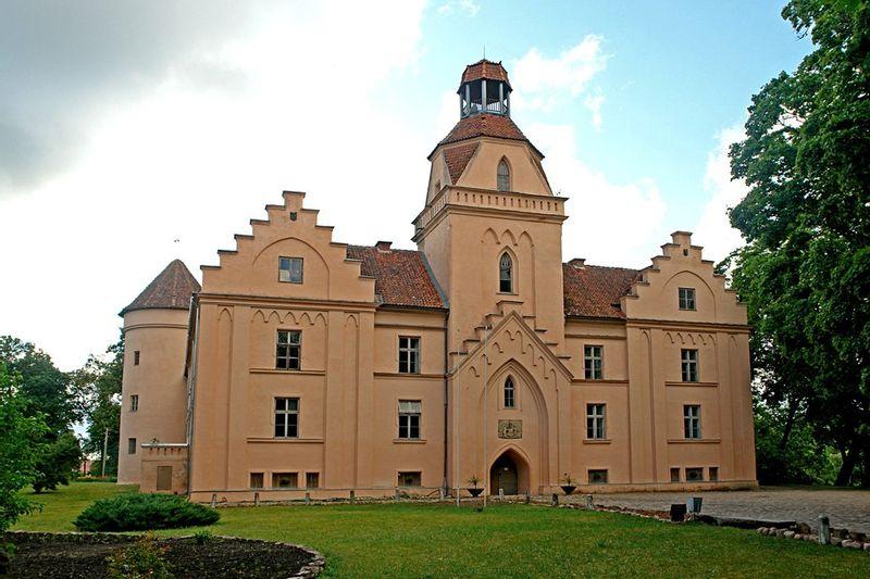 Vienos dienos išvyka: Edolės pilis – Ventspilio pilis – VENTSTPILIS
