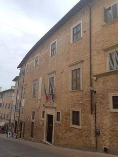 Kelionė į Italiją. Urbino miestas.  RENESANSO LOPŠYS. NUO RAFFAELLO IKI VALENTINO